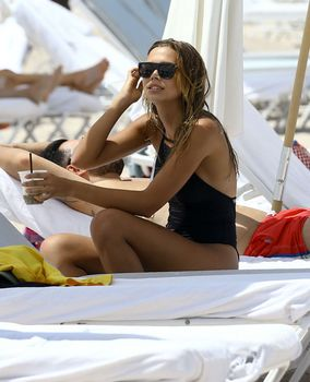 Sandra Kubicka - Miami Beach 26.06.2016 - x9
